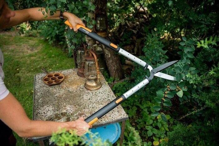 Ножницы для живой изгороди Fiskars
