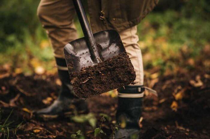 Совковая лопата Fiskars