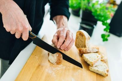 Кухонный нож Fiskars Edge для хлеба 23 см Black 1003093, фото 3