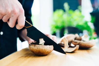 Кухонный нож Fiskars Edge поварской 15 см Black 1003095, фото 2
