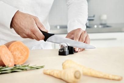 Кухонный нож Fiskars Essential универсальный 21 см Black 1023776, фото 4