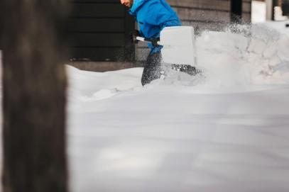Алюминевая лопата Fiskars для снега и зерна (1001637), фото 5