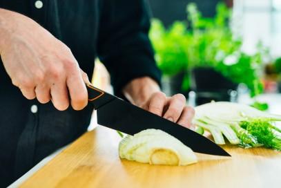 Кухонный нож Fiskars Santoku Edge поварской азиатский 17 см Black 1003097, фото 3