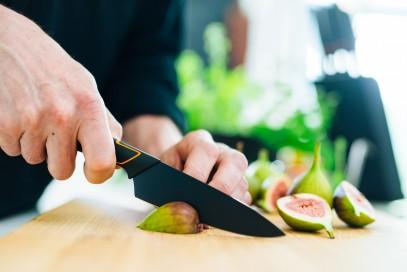 Кухонный нож Fiskars Santoku Edge поварской азиатский 17 см Black 1003097, фото 6