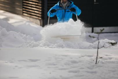 Алюминевая лопата Fiskars для снега и зерна (1001637), фото 6