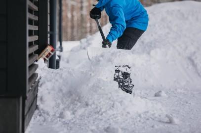 Алюминевая лопата Fiskars для снега и зерна 1001637, фото 4