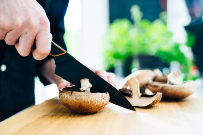 Кухонный нож Fiskars Edge для хлеба 23 см Black 1003093, фото 6