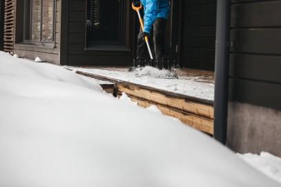 Лопата для уборки снега Fiskars облегченная SnowXpert 141001 (1003468), фото 6