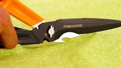 Многофункциональные ножницы Fiskars Cuts+More лезвия с титановым покрытием 23 см 1000809, фото 11